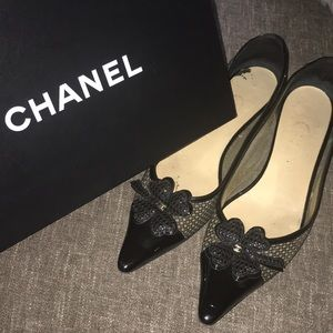 Chanel flats with box
